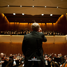 Ian Hobson conducts at Krannert Center for the Performing Arts, Photo by Val Oliveiro