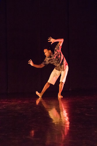Be Choreographed by Ricky Perry, BFA Senior Thesis Concert: Stripped, 2015, Photo by Natalie Fiol