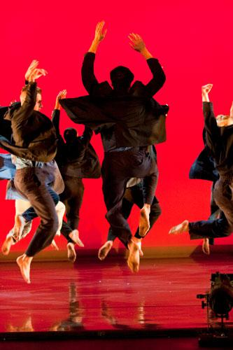 Journey, Choreographed by Earl Mosley for November Dance 2014, Photo by Natalie Fiol